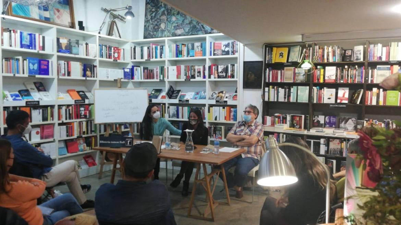 Presentación del poemario «LAS ESTANCIAS DEL RUIDO» de Yasmina Galán en Valencia con J.L. bedins y Pilar Verdú (23/10/2020)