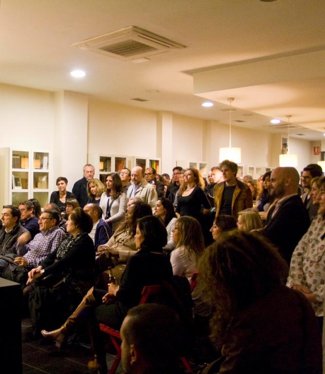 «La pasión de ser débil» de Francisco Benedito en el café Malvarrosa el 15 de abril 2015 inaugura la Colección Marte de poesía.