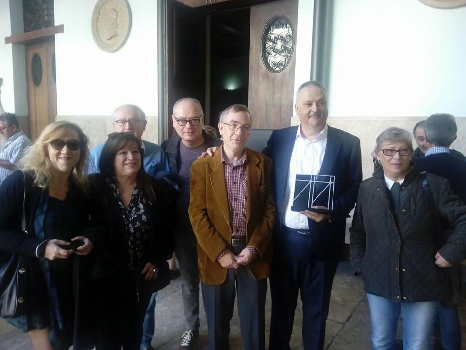 """Jesús Zomeño recoge el Premio de Narrativa de la Crítica Literaria Valenciana 2017 por su libro """"De este pan y de esta guerra"""" (Contrabando 2016)"""