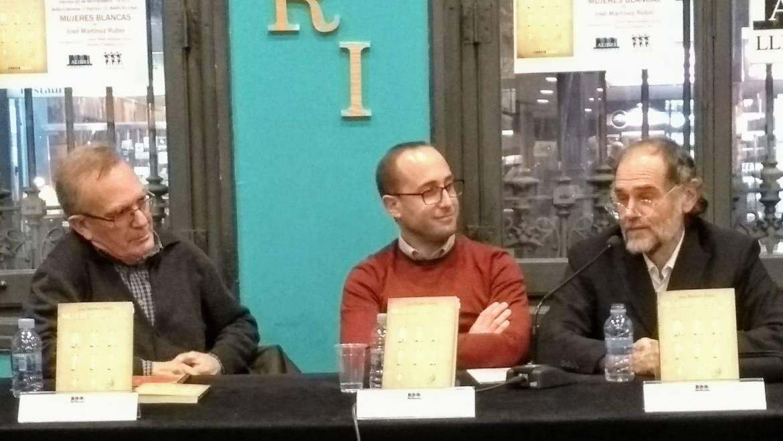 PRESENTACIÓN de «Mujeres blancas» de José Martínez Rubio con Javier Pérez Andújar y M. Turégano  en Alibri Llibreria Barcelona (22/11/2019)