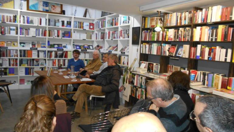 Wences Ventura presenta su novela «La destreza amatoria» en la Ramon Llull, Valencia. Con F.Ferrer Lerín, José Luis Falcó y Miguel Blasco. (05/12/2019)