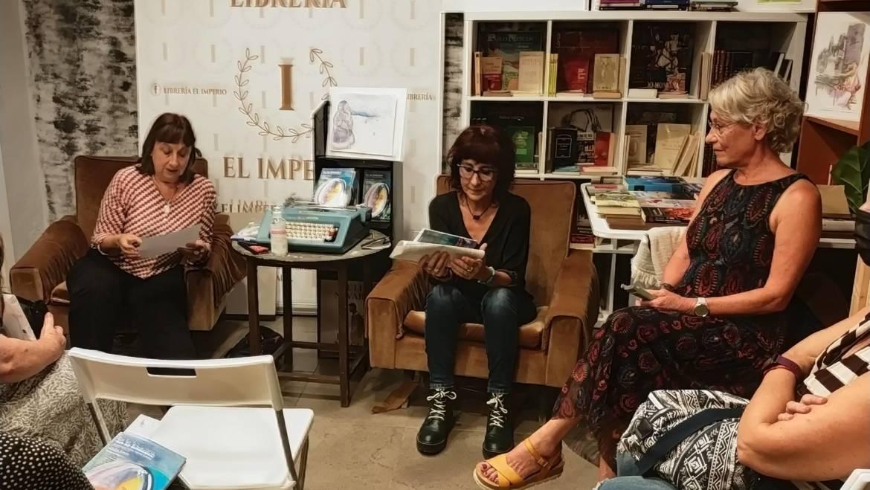 Presentación del libro EN LA BITÁCORA de Malín Simón, ilustrado por Loreto Lumbreras 23/09/2021