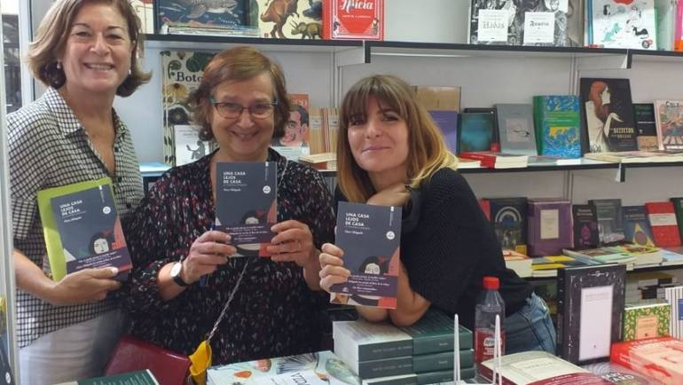 Presentación de Clara Obligado de UNA CASA LEJOS DE CASA en la Feria del Libro de Granada 8-9/10/2021
